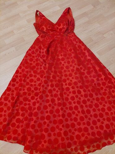 3898 elan: Новые красивые вечерние платья по 50 АЗН каждое, были куплены за 450