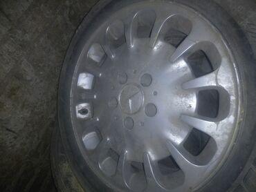 шина 19565r15 в Кыргызстан: Срочно Продаю зимние шины 2 пара