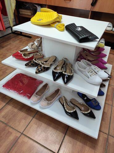 стойка для обуви в Кыргызстан: Продаю стойку (на ножках) НОВАЯ!!! Пользовались мало, аккуратно!без