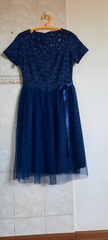 palto razmer 46 в Кыргызстан: Турецкое коктейльное платье размер тур38 рос44-46