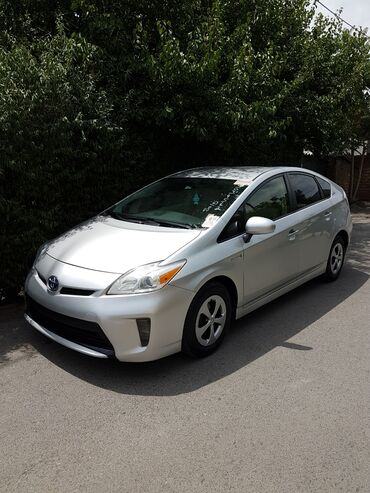 купли продажа авто в Кыргызстан: Toyota Prius 1.8 л. 2015