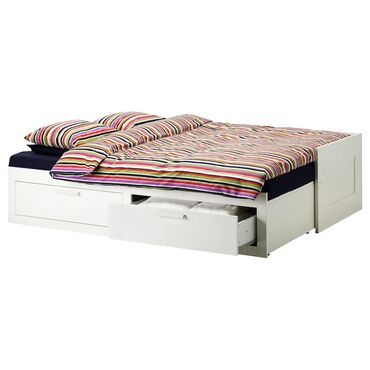 Кровать икея  Добавьте мягкие и объемные подушки в качестве опоры для