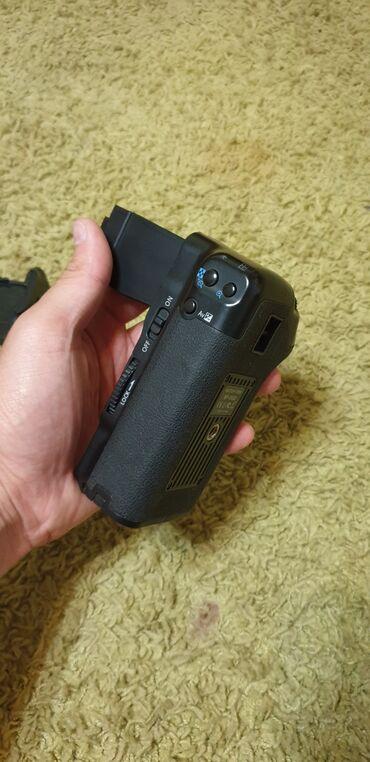 Батарейный блок на Canon 600D/650D/700D, состояние отличное