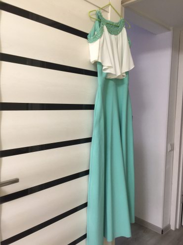Платье оооочень крутое с открытыми в Бишкек
