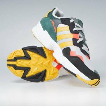 sport forma adidas в Кыргызстан: Продаю оригинал кроссовки adidas, адидас yung-96 новые из США размер