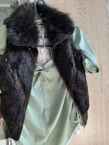 жилет лиса в Кыргызстан: Мех из лисы, мех натуральный состояния хорошее. Есть некий дефект на
