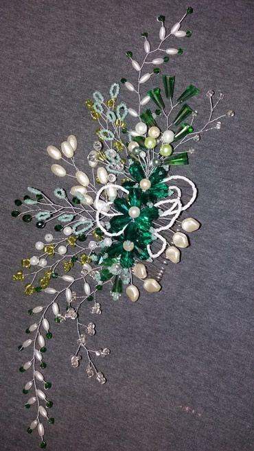 украшение шампанского для свадьбы в Кыргызстан: Гребень- украшение для волос ручной работы