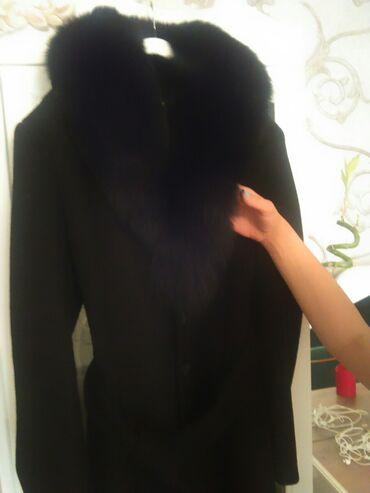 palto - Azərbaycan: Кашемировое пальто с мехом песца купила 1300 манат всего 3 раза одела