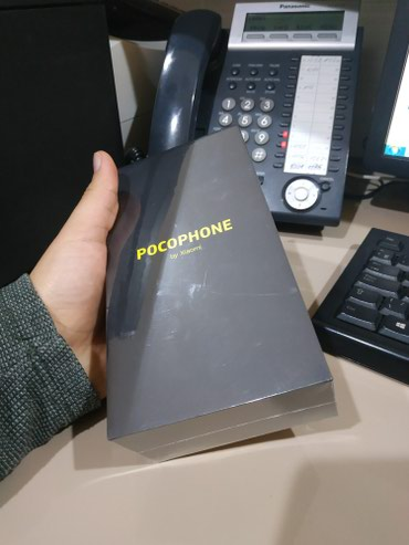Xiaomi pocophone f1 global version qara reng, 6-64, yeni bagli в Bakı