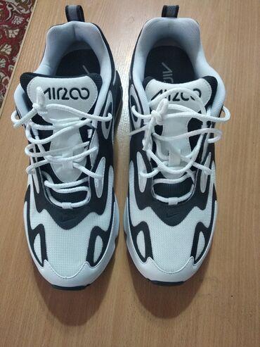 спортивная мужская обувь в Кыргызстан: Продаю мужские летние кроссовки новый 43 размер привезли из