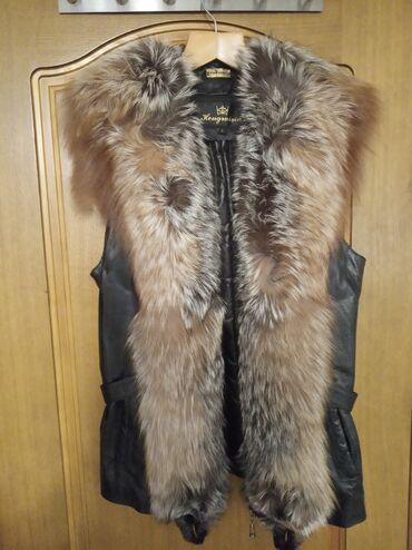 Кожаная жилетка с мехом чернобурки Размер: L (маломерит)