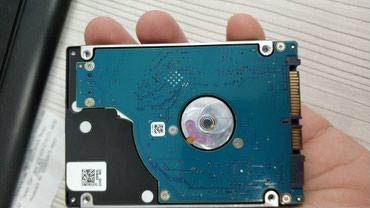 Жесткие диски, переносные винчестеры - Кыргызстан: Продаю жёсткий диск для ноутбука 500гб тонкий Slim. Осталось после