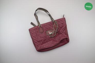 Спорт и хобби - Украина: Жіноча сумка з ланцюжками Guess   Висота: 28 см Довжина: 43 см Висота