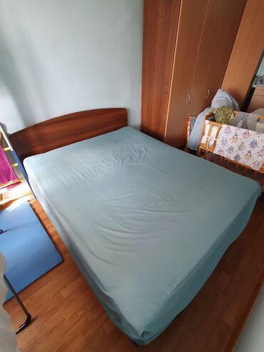 Продаю двухместную б/У кровать, без матрасаСостояние идеальное, торг