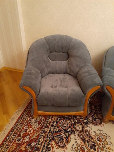 Ev və bağ Səbailda: Срочно продается диван кровать 2 кресло производство Румыния торг