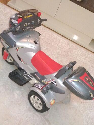 motor motoru - Azərbaycan: Oyuncaq motosiklet. Ucuz satıram, çünki motoru işləmir. Oyuncaq kimi