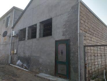 - Azərbaycan: Evlərin satışı 100 kv. m, 3 otaqlı, Bələdiyyə