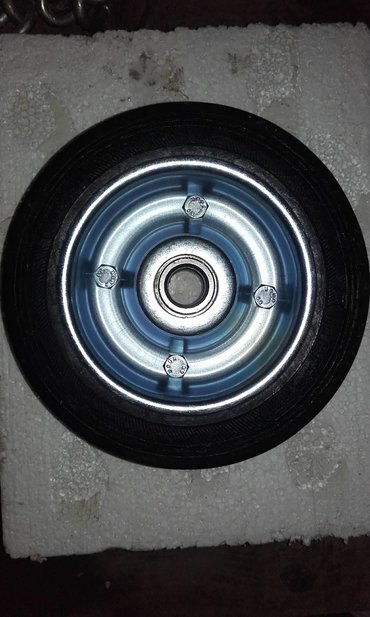 Tocak puna guma Fi 200 . Tockovi su novi odlicnog su kvaliteta za