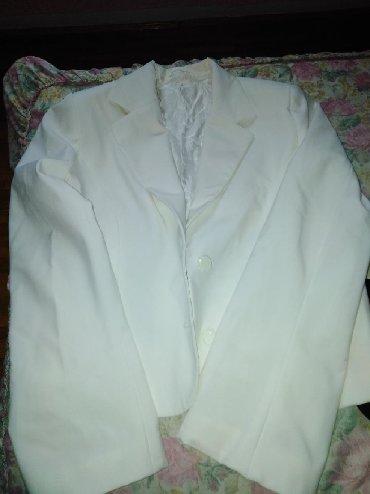 Ostalo | Vranje: Šiveni beli sako sa postavom odgovara veličini 42/44 rukavi su blago