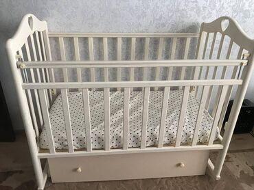 Мебель - Кыргызстан: Продается детская кроватка в очень хорошем состояние почти новая