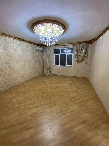 - Azərbaycan: Satılır Ev 170 kv. m, 3 otaqlı