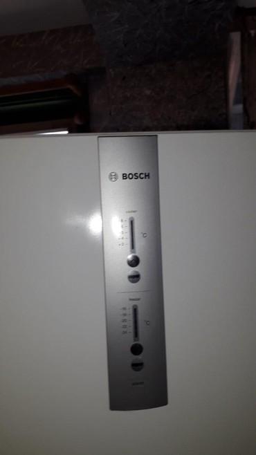 Lampa za nokte - Srbija: Bosch kombinovani frižider u ekstra stanju ispravan No Frost, bez