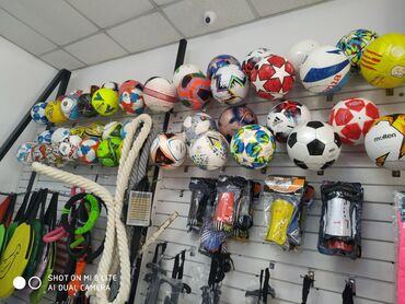 Мячи - Бишкек: МячМячи ТопФутбольные мячиФутбольный мячФутбольные мячи 4 размеры сом