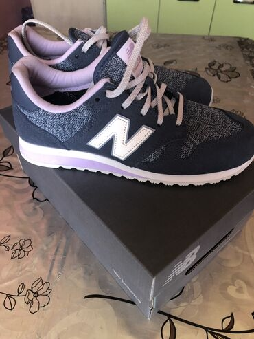 Женские кроссовки New balance новые 39 размер ОРИГИНАЛ