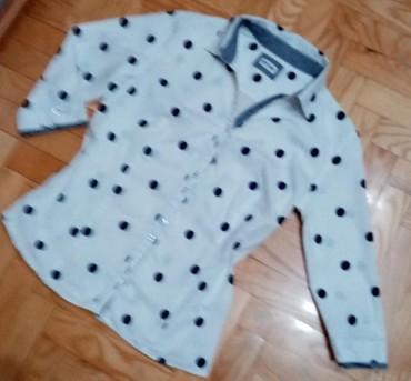KOŠULJA NA TUFNE Jednostavno prelepa bela košulja sa teget tufnama - Belgrade
