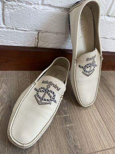 Мужская обувь - Кыргызстан: Продаю макасины baldinini б/у. В отличном состоянии. Натуральная кожа