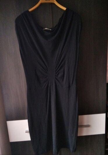 50 oglasa: Crna skupljena haljina, super stanje. Velicina S/M