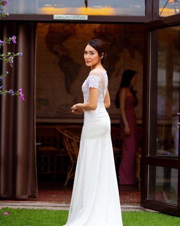 Свадебные платья и аксессуары - Бишкек: Продаю итальянское платье, одевала один раз)) за символическую цену