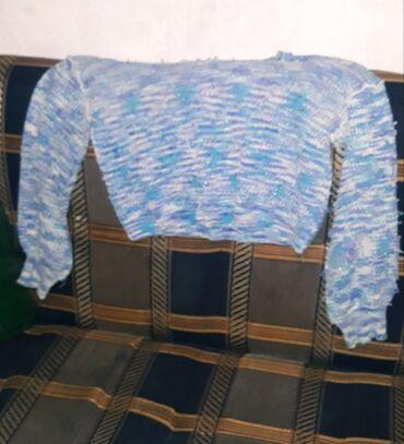 джемперы в Кыргызстан: Джемпера стандарт. Теплый вязанный джемпер голубого цвета. А черное ка