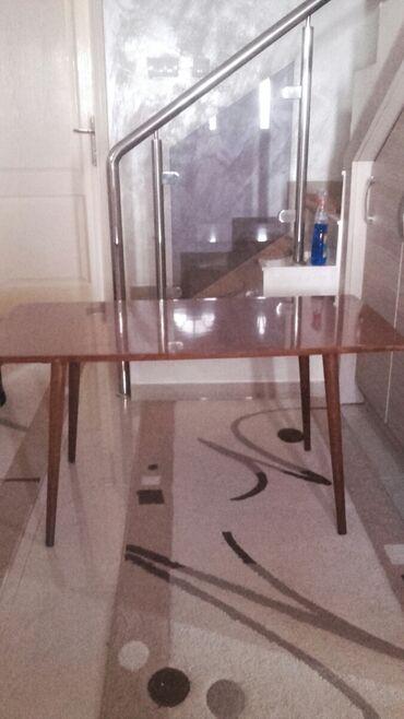 Setovi sto i stolice - Srbija: Na prodaju stočić kao nov. Visine 55cm duzine 109cm i širine 54cm Kont