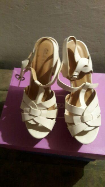 Ženska obuća | Kovin: Sandale na veoma visokoj ortopedskoj peti. br.38
