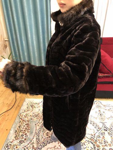 Шубы - Кыргызстан: Шубка,не натуралка но очень тёплаяразмер 46-48 надевали всего пару