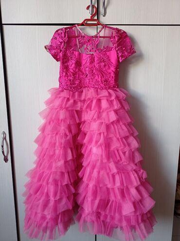 Платье от Наиля Байкучукова, на 4-5 лет.Надевали 2 раза . Состояние