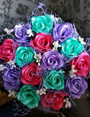букеты ручной работы в Кыргызстан: Цветы в шляпной коробке. Полностью ручная работа. Отличный подарок и б