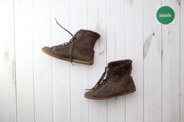 Жіночі зимові черевики Lacoste, p. 39    Довжина підошви: 27 см  Стан