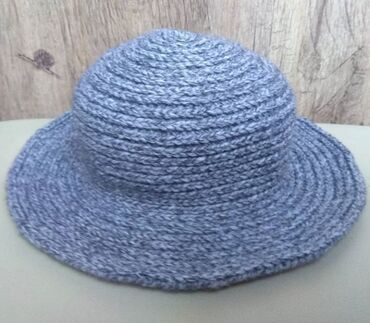 Шляпа серый меланж. Связано на крючке. Пряжа очень качественная