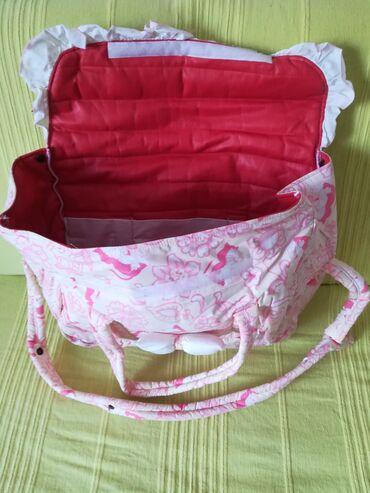 Prelepa crvena torba za mame 40x30x17 cm, veoma praktična, kao nova