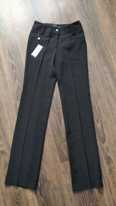 весеннее полупальто в Кыргызстан: Классический брюки!Новые!!!СвободныеОсенни весенниеРазмер идет на