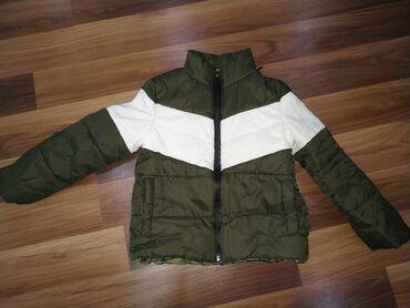 Куртка детская на возраст 3-4 года. Б/у цена 350 сом