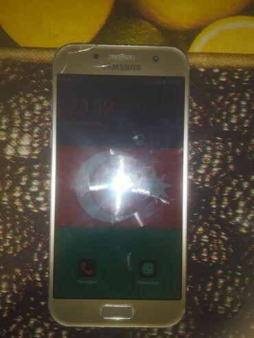 İşlənmiş Samsung Galaxy A3 2017 16 GB qızılı