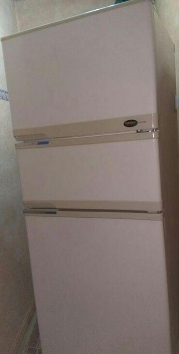 Б/у Трехкамерный Бежевые холодильник