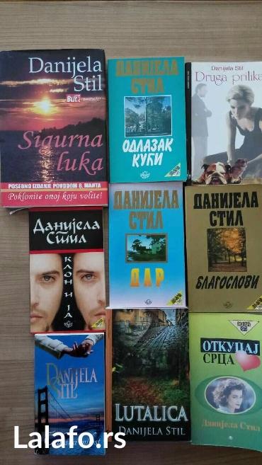 Knjige. Danijela stil. 250 din po knjizi +ptt - Novi Sad