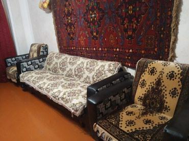 Xırdalan şəhərində Продается диван и два кресла вместе,б/у.В хорошем состоянии.