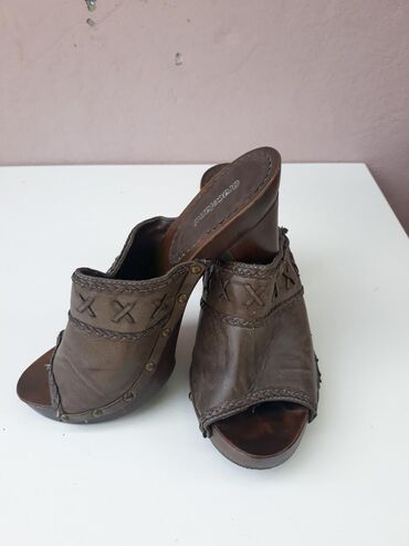 Graceland nove papuce . Broj 41