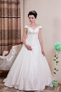 свадебные украшения в Кыргызстан: Свадебное платье   на прокат   продажа  В подарок фата+украшения
