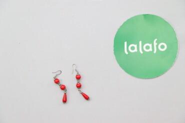 Жіночі висячі сережки з червоними камінчиками     Довжина: 6 см  Стан